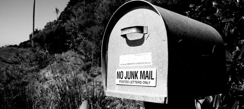 Message to the mail man by gajman (CC BY 2.0) https://flic.kr/p/b8fDw6