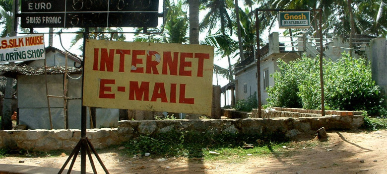 Internet E-mail by twitter.com/mattwi1s0n (CC BY 2.0)