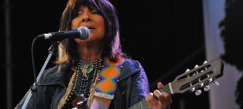 Buffy-Sainte-Marie-DSC_2407 by sidrguelph (CC BY-SA 2.0) https://flic.kr/p/6NkJNh