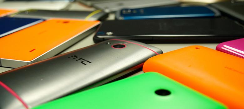 Phones, Phones & Phones by TechStage (CC BY-ND 2.0) https://flic.kr/p/pDU6FD