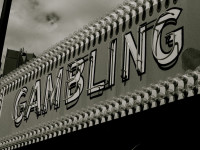 GAMBLING by JulieFaith (CC BY-NC-ND 2.0) https://flic.kr/p/9vjSHP