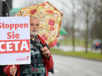 TTIP_15-10-20_2 by campact (CC BY-NC 2.0) https://flic.kr/p/BhGmff