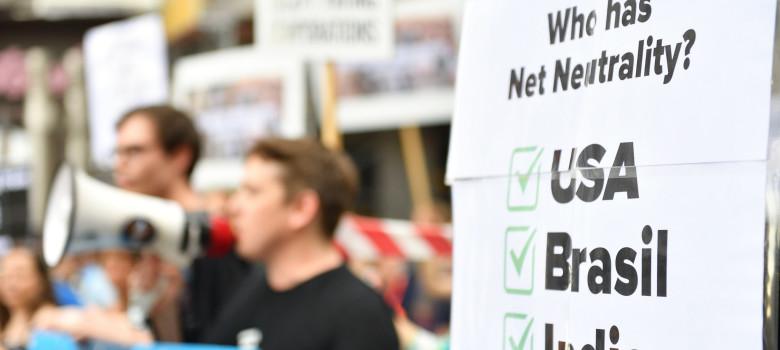 Save the Internet - Demonstration in Vienna by Arbeitskreis Vorratsdaten (CC BY 2.0) https://flic.kr/p/GT8mgK