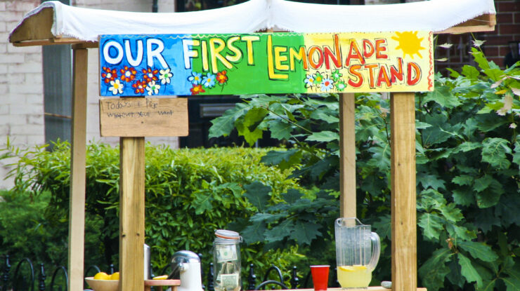 First Lemonade Stand by Rebecca Schley (CC BY-NC-ND 2.0) https://flic.kr/p/6HqvXJ