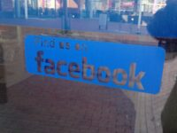 Like us on Facebook sign at a shop, Winschoten (2019) 01.jpg by Donald Trung Quoc Don (Chữ Hán: 徵國單) - Wikimedia Commons - © CC BY-SA 4.0 International.(Want to use this image?)Original publication 📤: --Donald Trung 『徵國單』 (No Fake News 💬) (WikiProject Numismatics 💴) (Articles 📚) 21:42, 1 May 2019 (UTC) / CC BY-SA (https://creativecommons.org/licenses/by-sa/4.0)