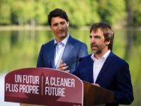 Prime Minister Trudeau Announces Canada Will Ban Single-Use Plastics by Adam Scotti (Office of the Prime Minister) https://pm.gc.ca/en/photos/2019/06/10/prime-minister-trudeau-announces-government-canada-will-ban-harmful-single-use