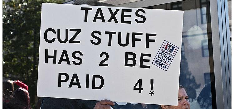Taxes by Blink O'fanaye https://flic.kr/p/8Px1Xk (CC BY-NC 2.0)