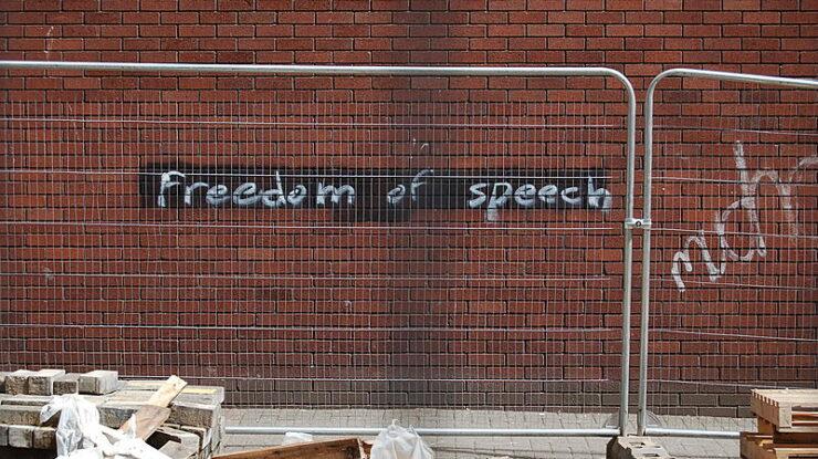 Free Speech for the Dumb by Walt Jabsco (CC BY-NC-ND 2.0) https://flic.kr/p/5bz8a1