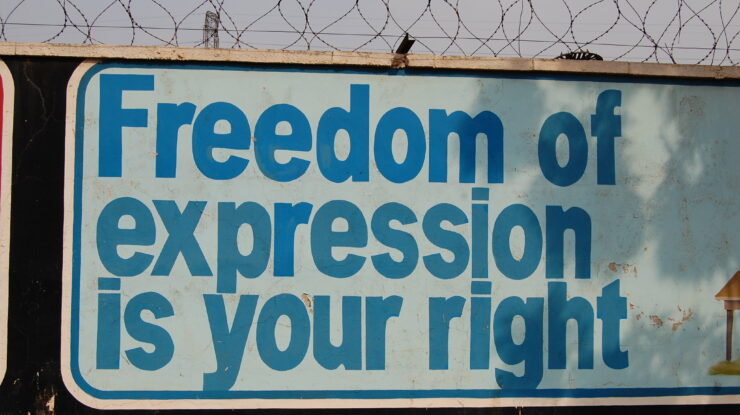 freedom of expression is your right by Rachel Hinman https://flic.kr/p/6J5ATQ (CC BY 2.0)