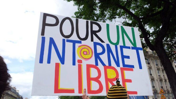 pour un internet libre by g4ll4is https://flic.kr/p/cNtg63 (CC BY-SA 2.0)